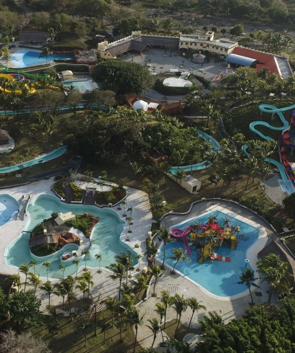 ouverture-du-splash-n-fun-leisure-park-y-belle-mare-1400x933